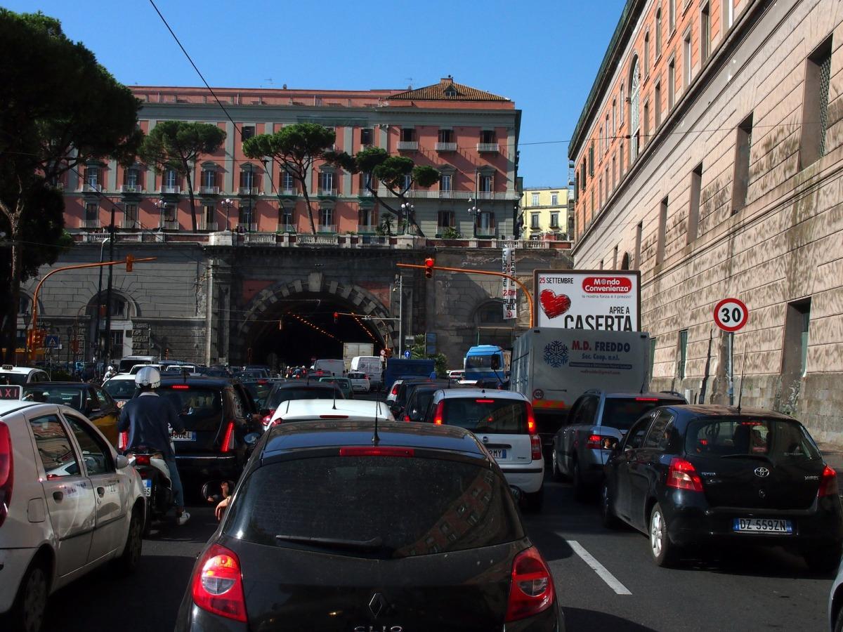 Przejechać przez Neapol i nie umrzeć