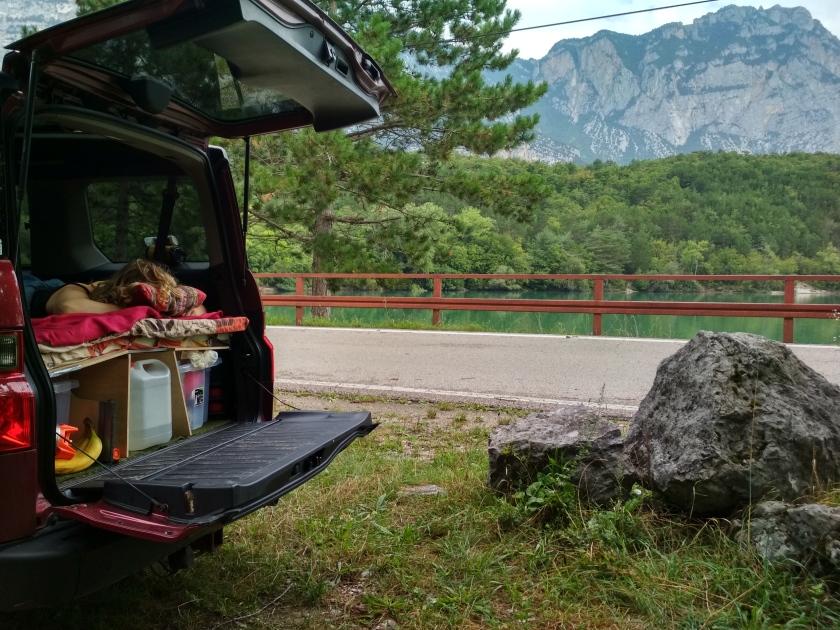 Nocleg na dziko nad Lago di Cavedine